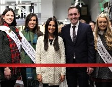 Roses 'wool' the World with New Aran Store
